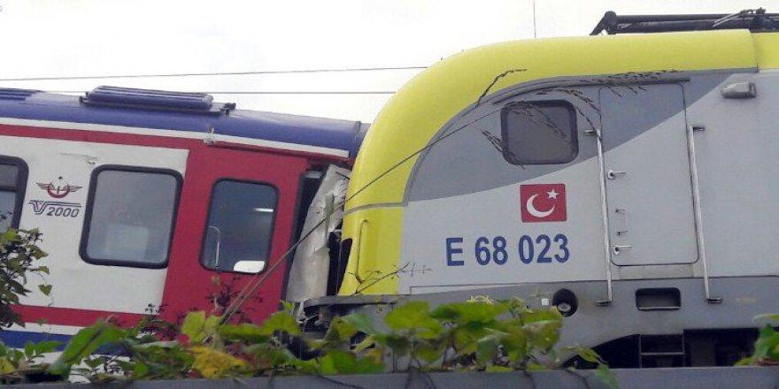 Sakarya, Sapanca'da Yolcu Treni İle Yük Treni Çarpıştı: 3 Yaralı