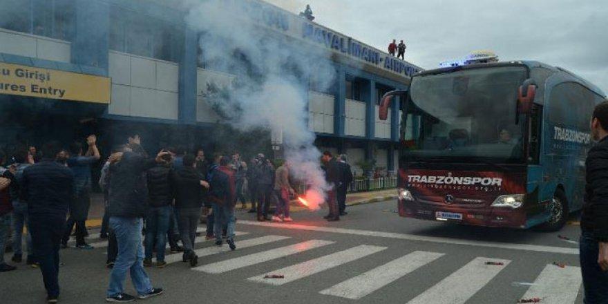 Trabzonspor'a coşkulu uğurlama