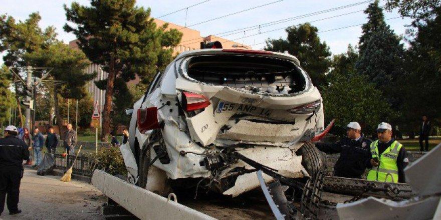 Samsun'da 3 Aracın Karıştığı Zincirleme Kaza: 4 Yaralı