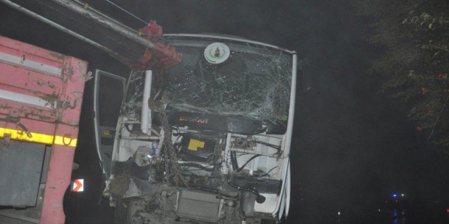 İnegöl Domaniç karayolu'nda kaza : 11 yaralı