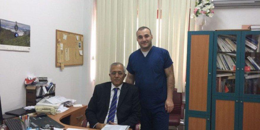 Bu Yıl Dünya'da Bir Kişiye Verilen Evart A. Graham Bursu Türk Cerrahın Oldu