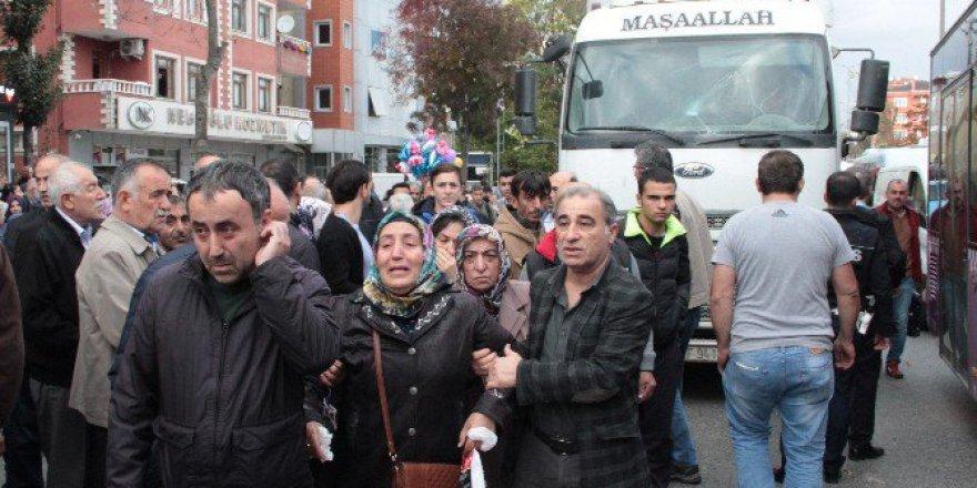 Üsküdar'da Yaşlı Kadın Kamyonun Altında Kalarak Can Verdi