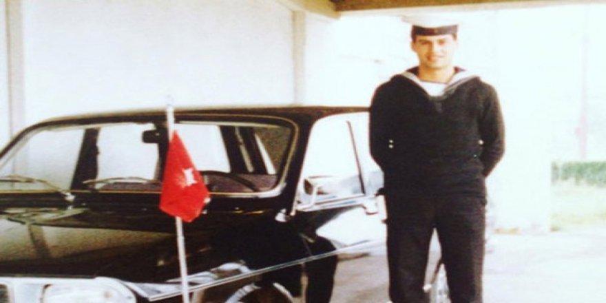 Hakan Peker askerlik fotoğrafını paylaştı