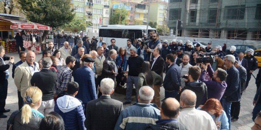 Malatya'da Açıklama Yapmak İsteyen HDP'li Gruba Polis İzin Vermedi