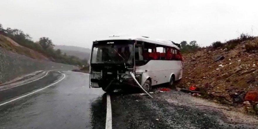 Yalova, Çınarcık'ta Midibüs Takla Attı: 21 Yaralı