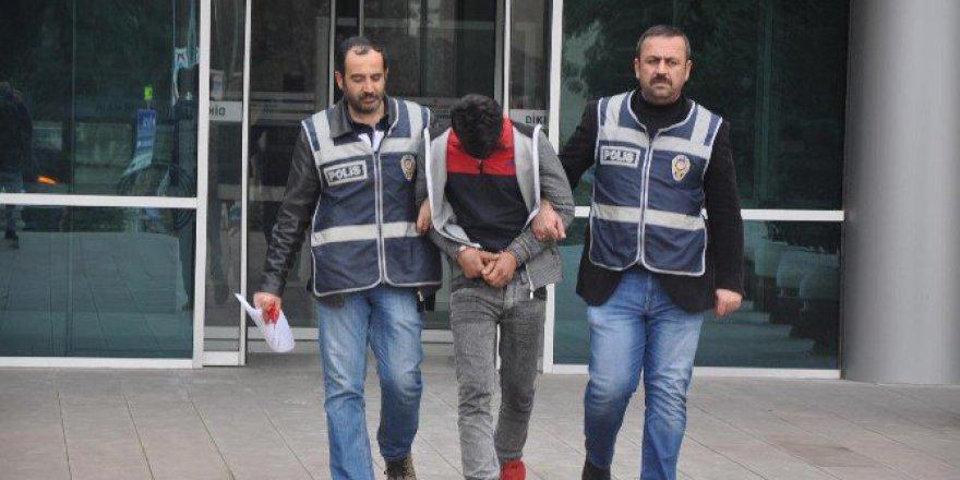 Bursa, İnegöl'de 4 Hırsız, Çaldıkları Parayı Lokantada Yediler