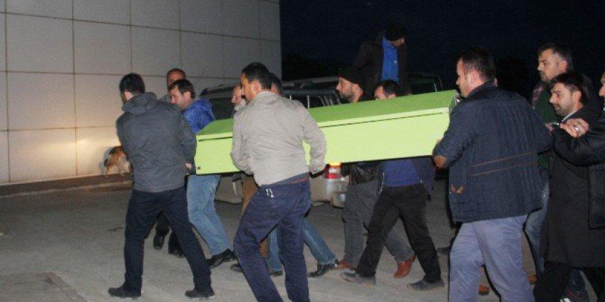 Samsun'da Kalp Krizi Geçiren Şahıs Eşinin Kollarında Öldü