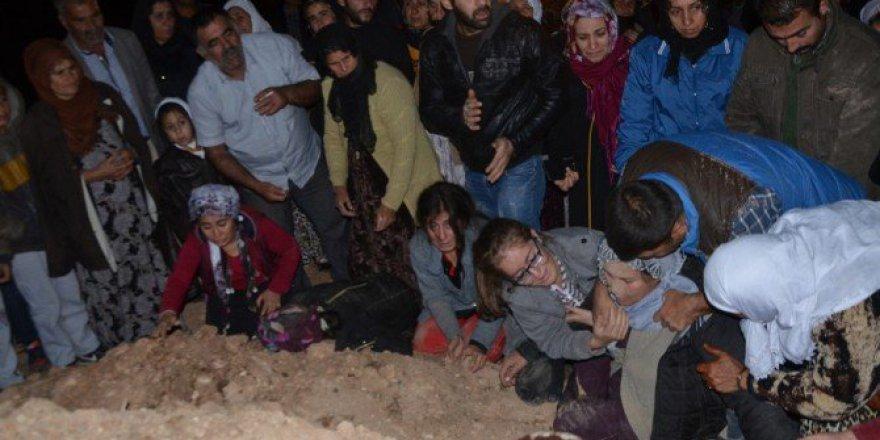 Gaziantep'te Kanlı İnfazda Öldürülen Üç Kardeşin Cenazesi Defnedildi