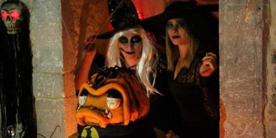 Bodrum'da Cadılar Bayramı! Gece Sokakta Yürüyenler Bile Korktu