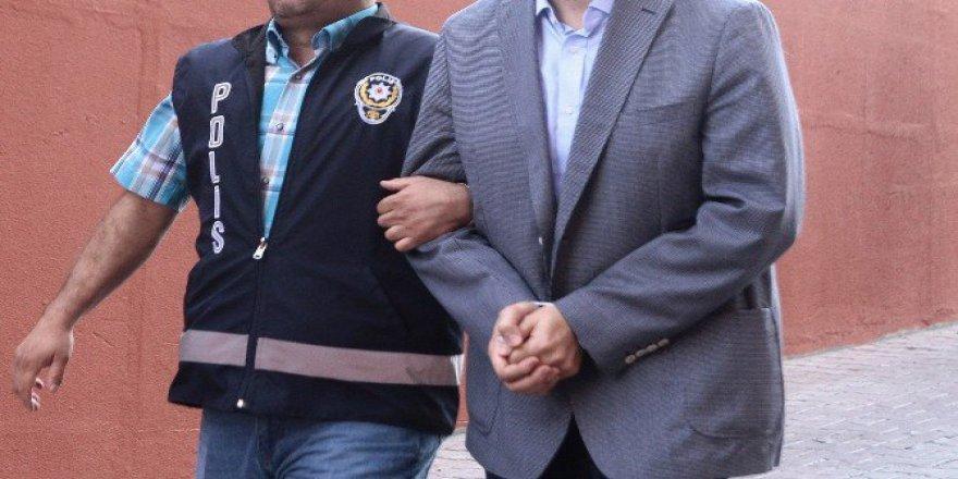 Uşak'ta FETÖ/PDY'den 18 Öğretmen ve 1 Hemşire Gözaltına Alındı