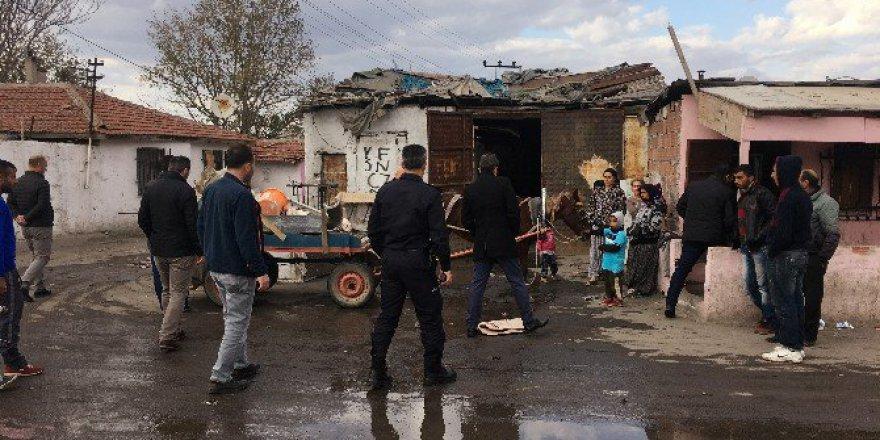 Tekirdağ, Çorlu'da 100 Polisin Katılımıyla Uyuşturucu Operasyonu: 2 Gözaltı