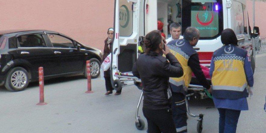 Kocaeli, Gebze'de Darp Edilen Kadın Hastaneye Kaldırıldı