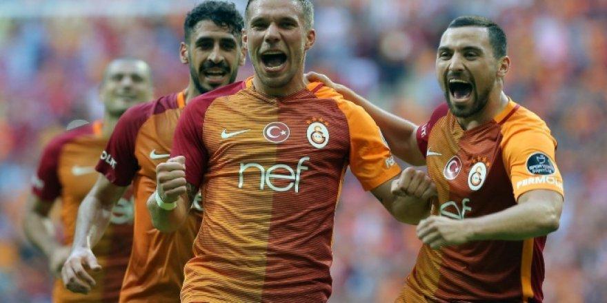 Galatasaray, lider Başakşehir'e karşı
