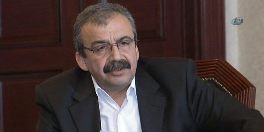 Sırrı Süreyya Önder hakkında karar!