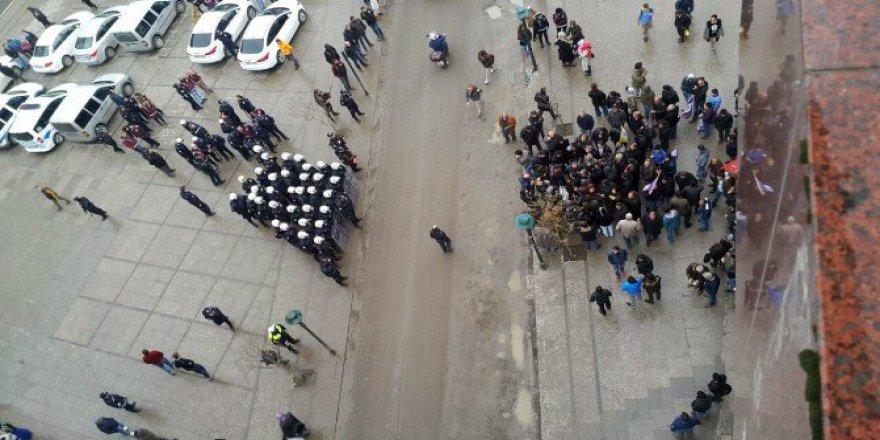 Tekirdağ, Çorlu'da İzinsiz HDP Eyleme Polis Müdahalesi: 21 Gözaltı