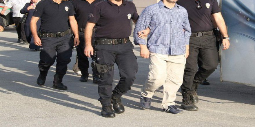 Antalya'da 23 Kişiye FETÖ'den Tutuklama