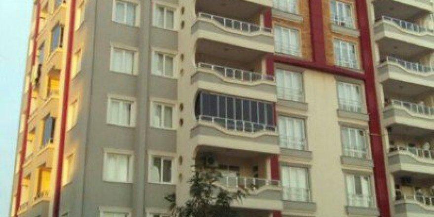 Gaziantep'te Yük Asansörü Raydan Çıktı: 1 Ölü