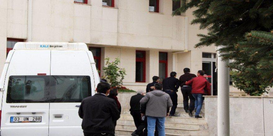 Afyonkarahisar'da FETÖ'den Gözaltına Alınan 10 Kişi Adliyeye Sevk Edildi