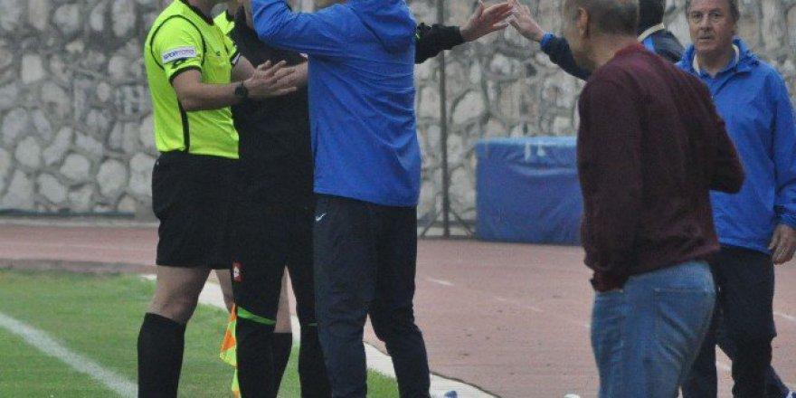 PFDK'dan İnegölspor Teknik Direktörü Osman Özdemir'e 3 Maç Ceza