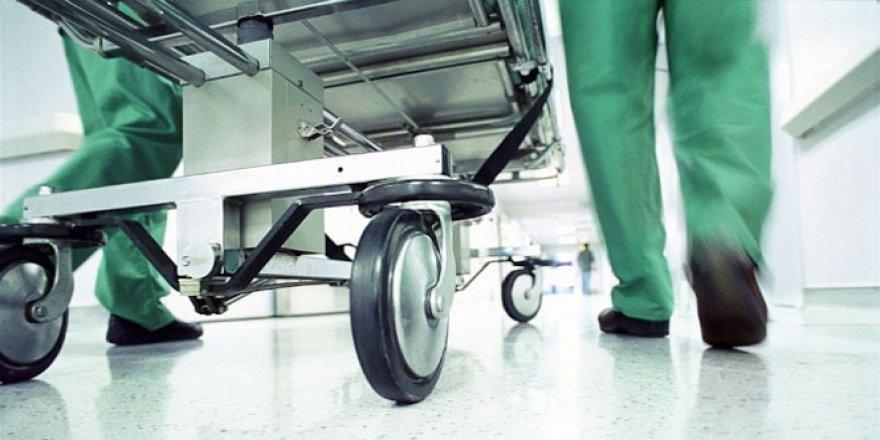 Niksar'da Motosiklet Yayaya Çarptı: 3 Yaralı