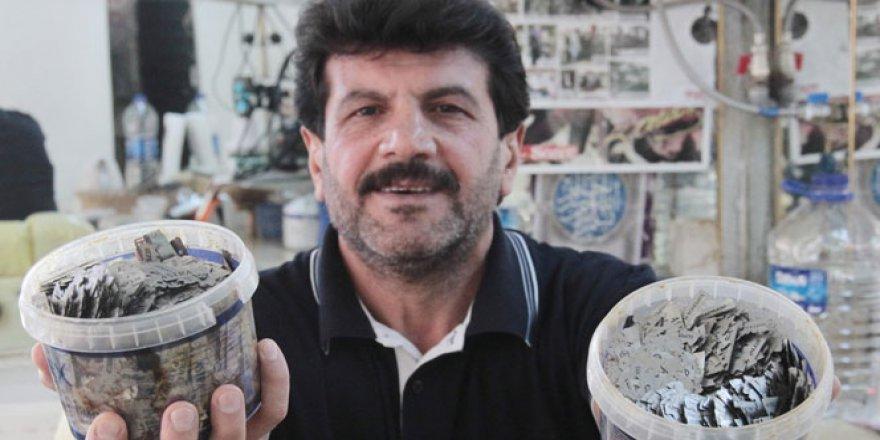 Berberin ilginç jilet koleksiyonu
