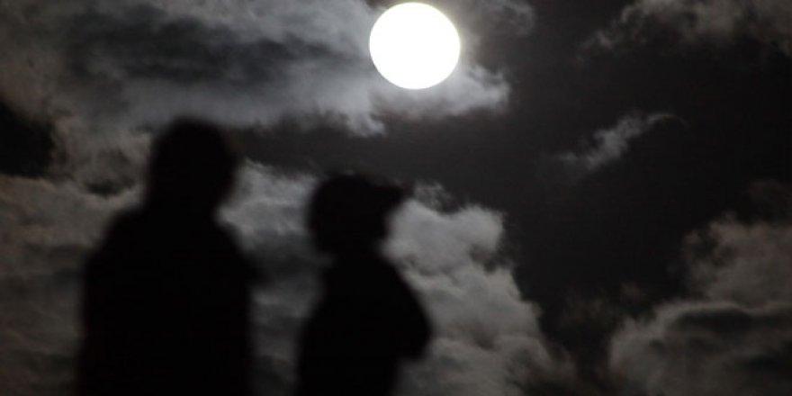 Süper Ay Yurtta İlgiyle İzlendi! İşte O Muhteşem Görüntüler