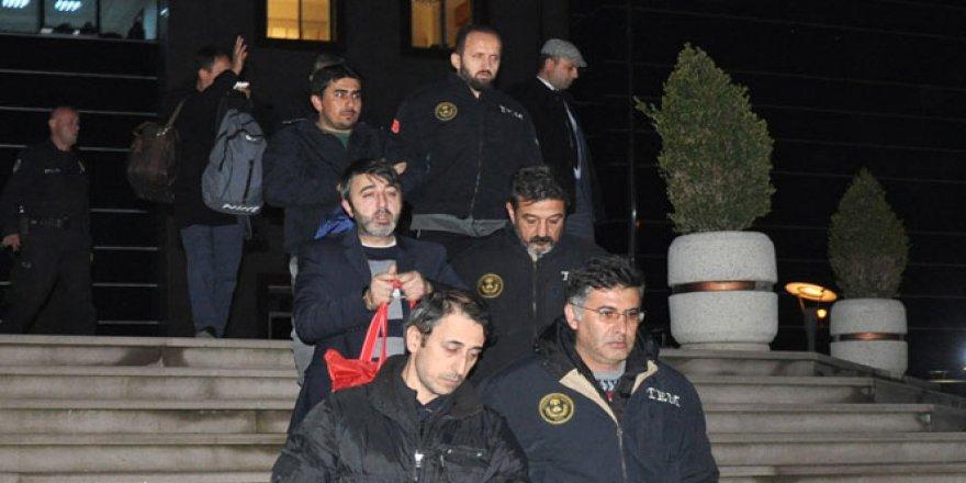 Bursa'da ByLock kullanan 5 öğretmen tutuklandı