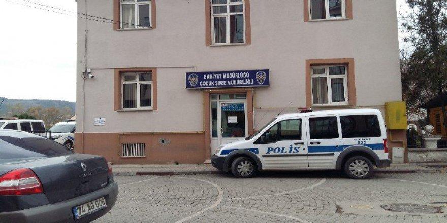 Bartın'da 6 Gündür Kayıp Olan 14 Yaşındaki Öğrencisi Ailesine Kavuştu