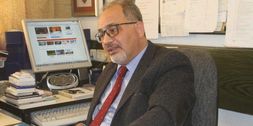 """Prof. Dr. Öztürk: """"10 KOAH'lı Hastadan Biri Hastaneye Veya Doktora Başvuruyor"""""""