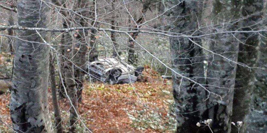 İnegöl'de Otomobil Uçuruma Yuvarlandı: 4 Yaralı