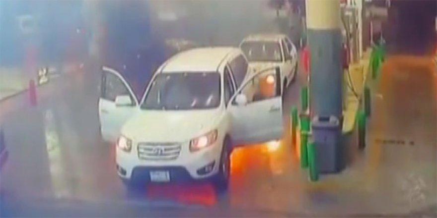 Suudi Arabistan'da yakıt alan cip böyle alev aldı