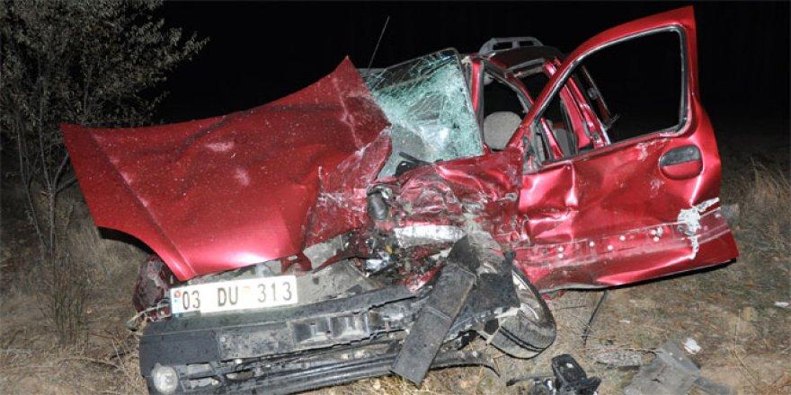 Afyonkarahisar, Sinanpaşa'da korkunç kaza: 3 ölü, 4 yaralı