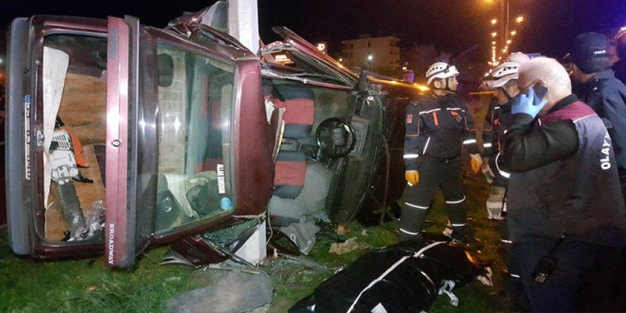 Samsun'da otomobil direğe çarptı: 1 ölü