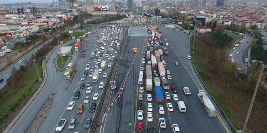 Mahmutbey Gişelerdeki trafik çilesi havadan böyle görüntülendi