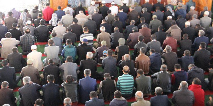 Şırnak'ta 8 Ay Sonra İlk Cuma Namazı