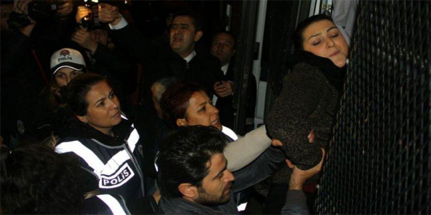 Samsun'da izinsiz ''cinsel istismar'' protestosuna 12 gözaltı