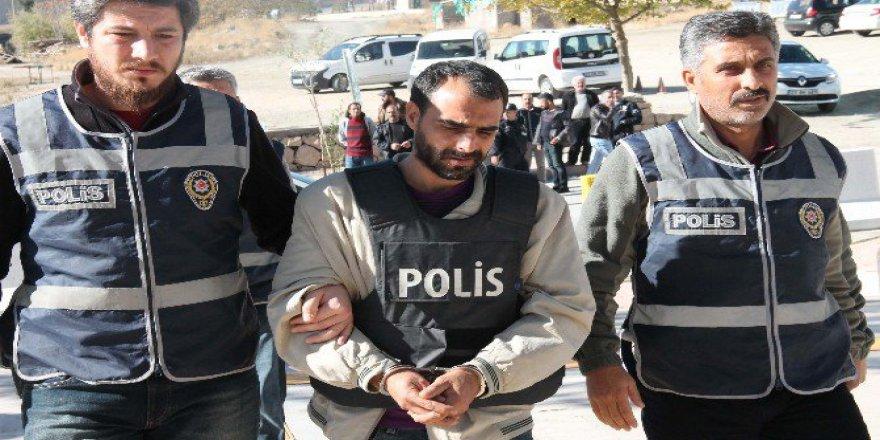 Elazığ'da Oğlunu Görmeye Gelen Eşini Öldüren Koca Tutuklandı
