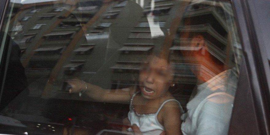Adanaspor Taraftarlar Kız Çocuğuna Da Acımadı