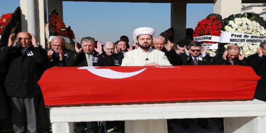Eski Adalet Bakanı Eldem Son Yolculuğuna Uğurlandı
