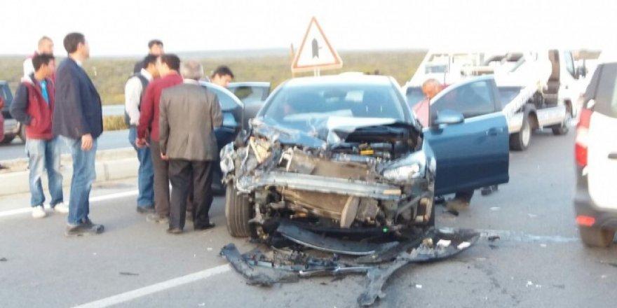 Didim-Akbük yolu üzerinde zincirleme trafik kazası; 6 yaralı