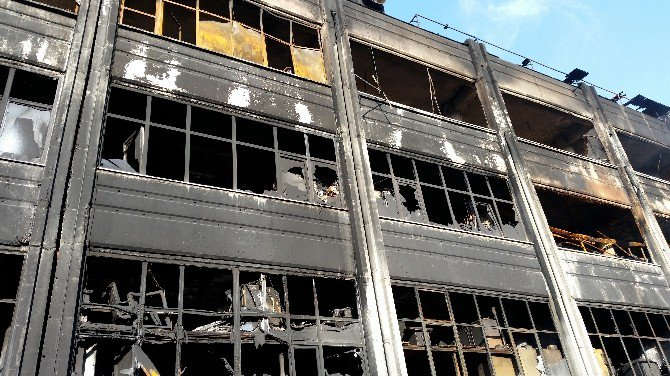 Bayrampaşa'daki Yangının Bilançosu Gün Ağarınca Ortaya Çıktı