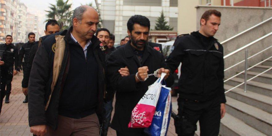 FETÖ'den 2 emniyet müdürü tutuklandı