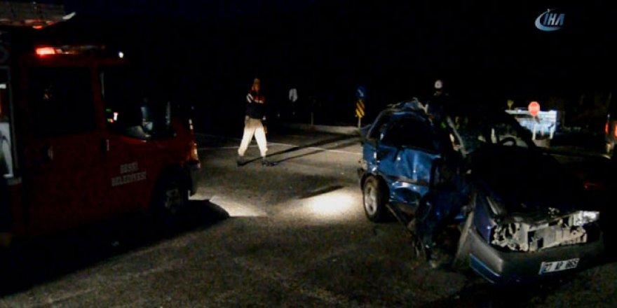 Adıyaman'da Otomobil İle Kamyonet Çarpıştı: 9 Yaralı