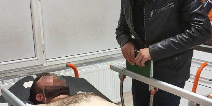 Samsun'da Bıçaklı Saldırıya Uğrayan Genç Hastanelik Oldu