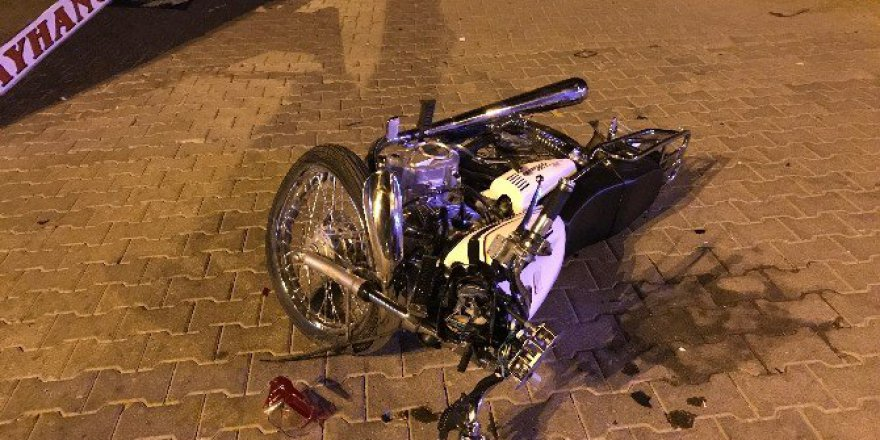 Nazilli'de Otomobile Çarpan Motosikletli Ağır Yaralandı