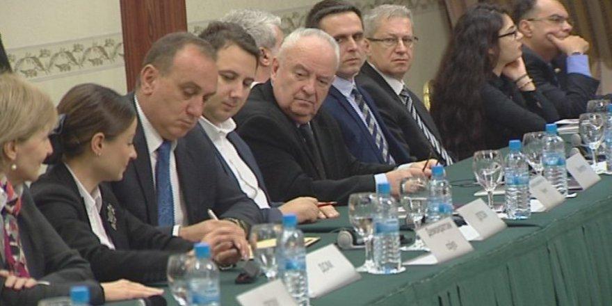 Makedonya'da 19 Siyasi partiden ortak deklarasyon