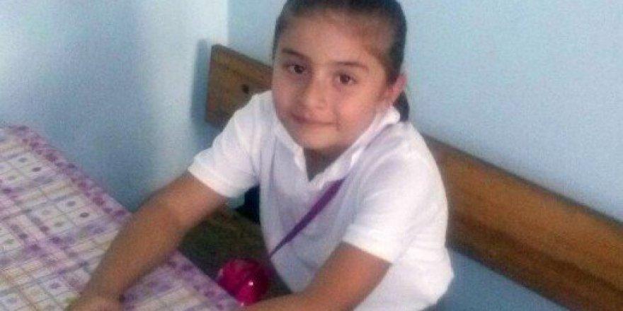 Gebze'de Karşıdan Karşıya Geçmek İsteyen 6 Yaşındaki Çocuk. Otobüs Altında Kaldı