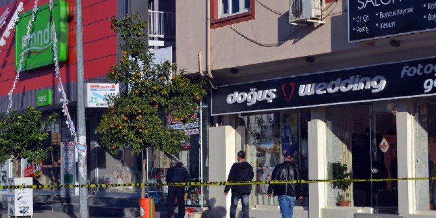 Adana'da Bomba Aranan Çantadan Çıkan Şey Herkesi Rahatlattı