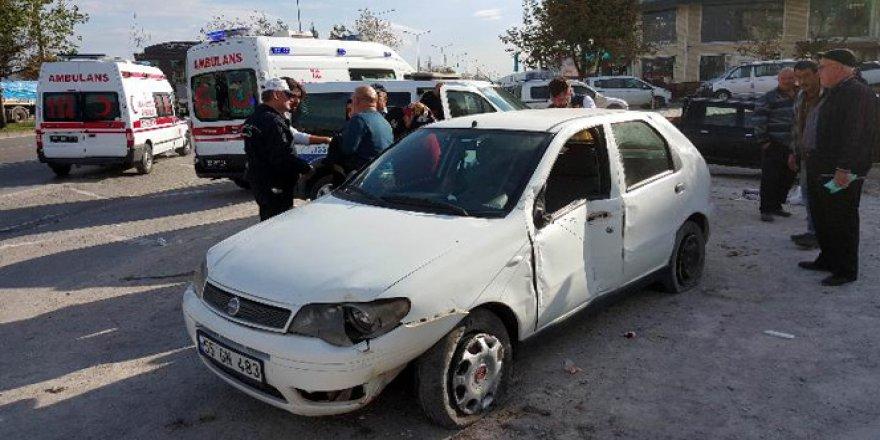 Samsun'da Hastane Dönüşü Kaza: 2 Yaralı