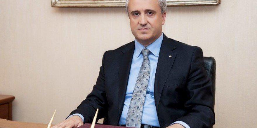 AÜ Rektörü Gündoğan'dan Adana'daki Yangınla İlgili Mesaj